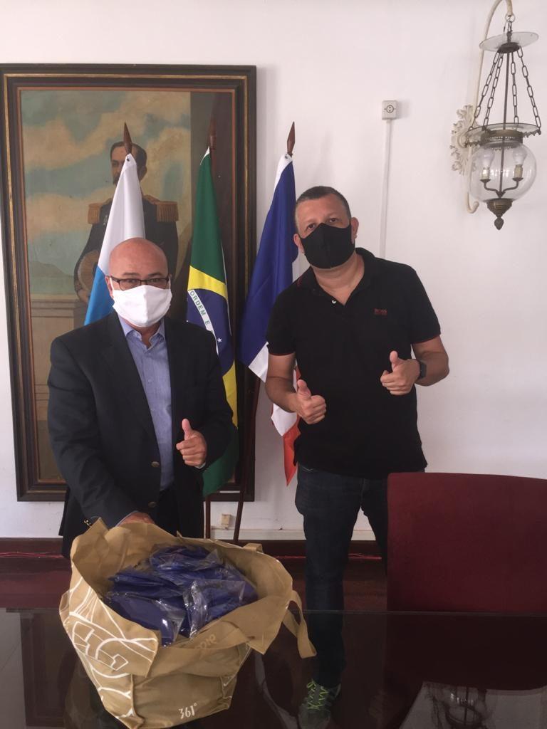 Entrega de máscaras da D Energy Brasil na Prefeitura Municipal de Itaboraí.